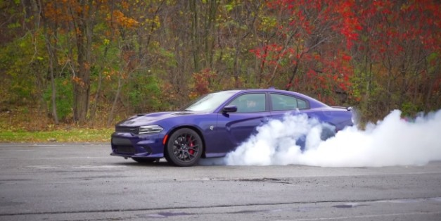 Video: AutoNation test drives the 2015 Dodge Charger Hellcat