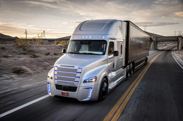 """Freightliner debuts the the """"first licensed autonomous driving truck"""""""