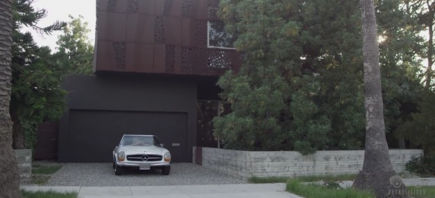Video: Petrolicious highlights the beauty of form following function with a Mercedes 280SL and a house