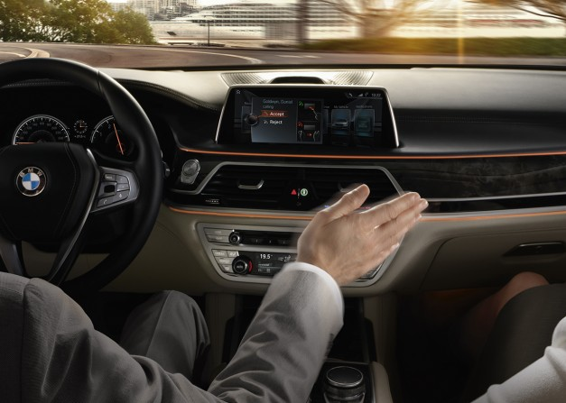 Report: Future versions of BMW X5 and X6 are to get touchscreen interfaces