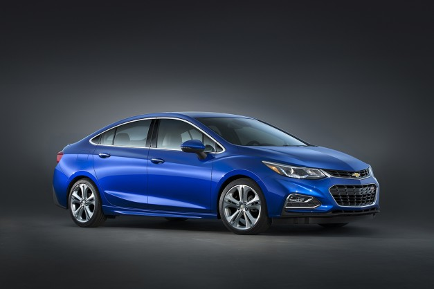 The 2016 Chevrolet Cruze also goes on a diet, gets a handsome exterior
