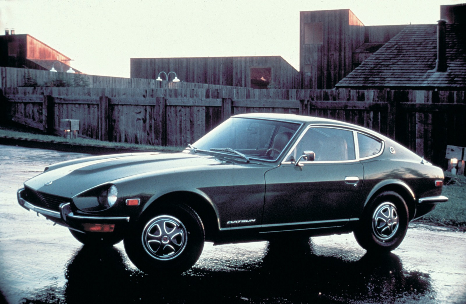 report the next nissan z to be more like original datsun 240z egmcartech. Black Bedroom Furniture Sets. Home Design Ideas
