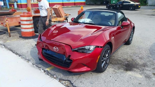 Mazda replaces new owner's Launch Edition Miata MX-5 following crash minutes after delivery