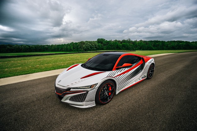 Video: Acura highlights the 2016 NSX's role as this year's Pikes Peak pace car