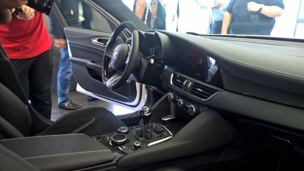 Spy Shots: This is what the interior of the Alfa Romeo Giulia looks like
