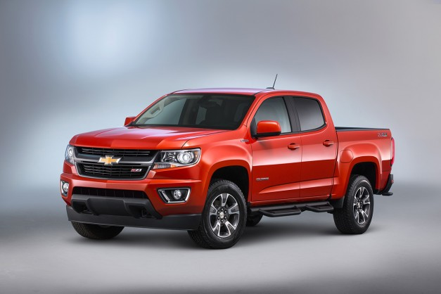 The 2017 Chevrolet Colorado gets a slightly revised V6 and standard eight-speed auto