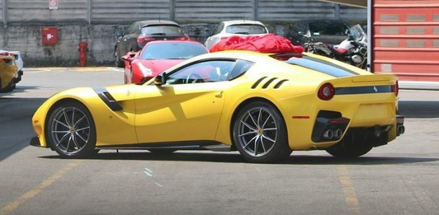 Spy Shots: Is this the new Ferrari F12 Speciale / GTO?