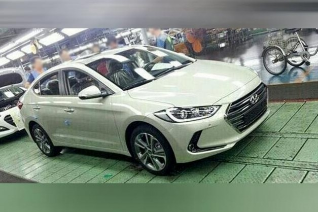 Photo Leak: The new 2016 Hyundai Elantra / Avante spotted with nothing to hide