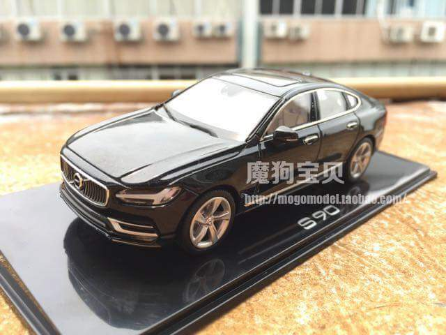 2017 Volvo S90 Miniature Model Photo Leak