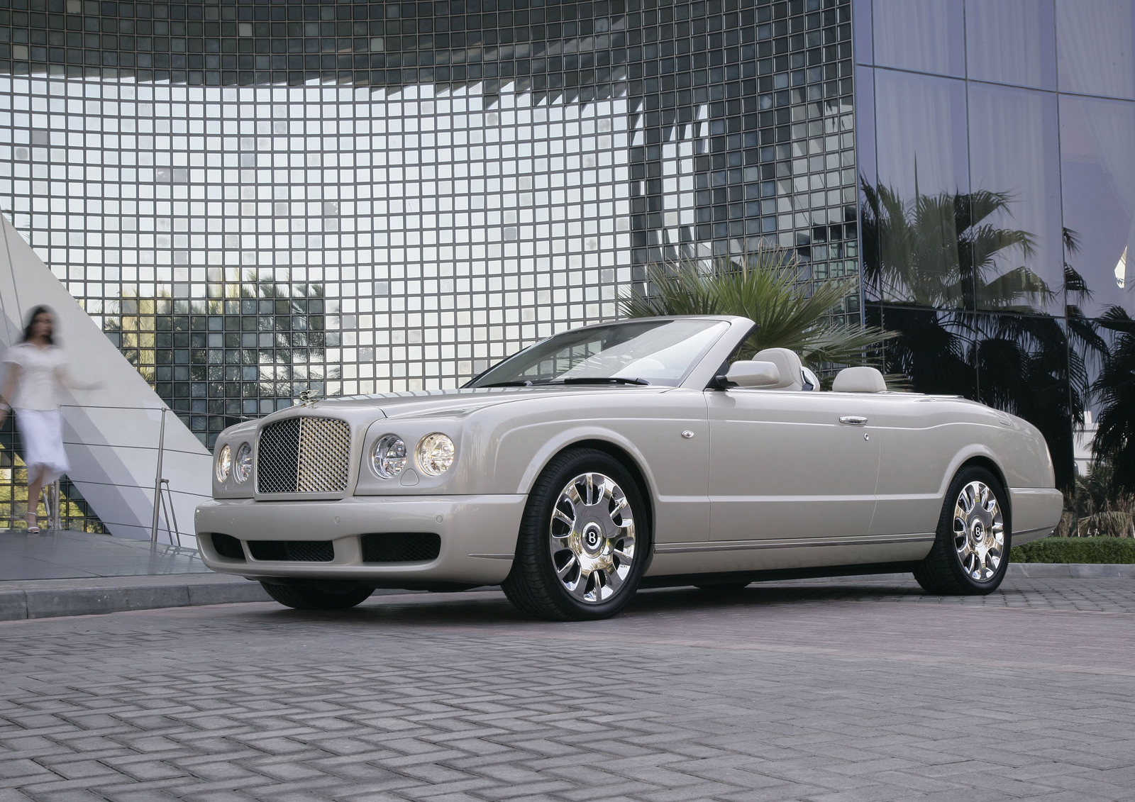 Report: Bentley could produce a new Mulsanne Grand ...