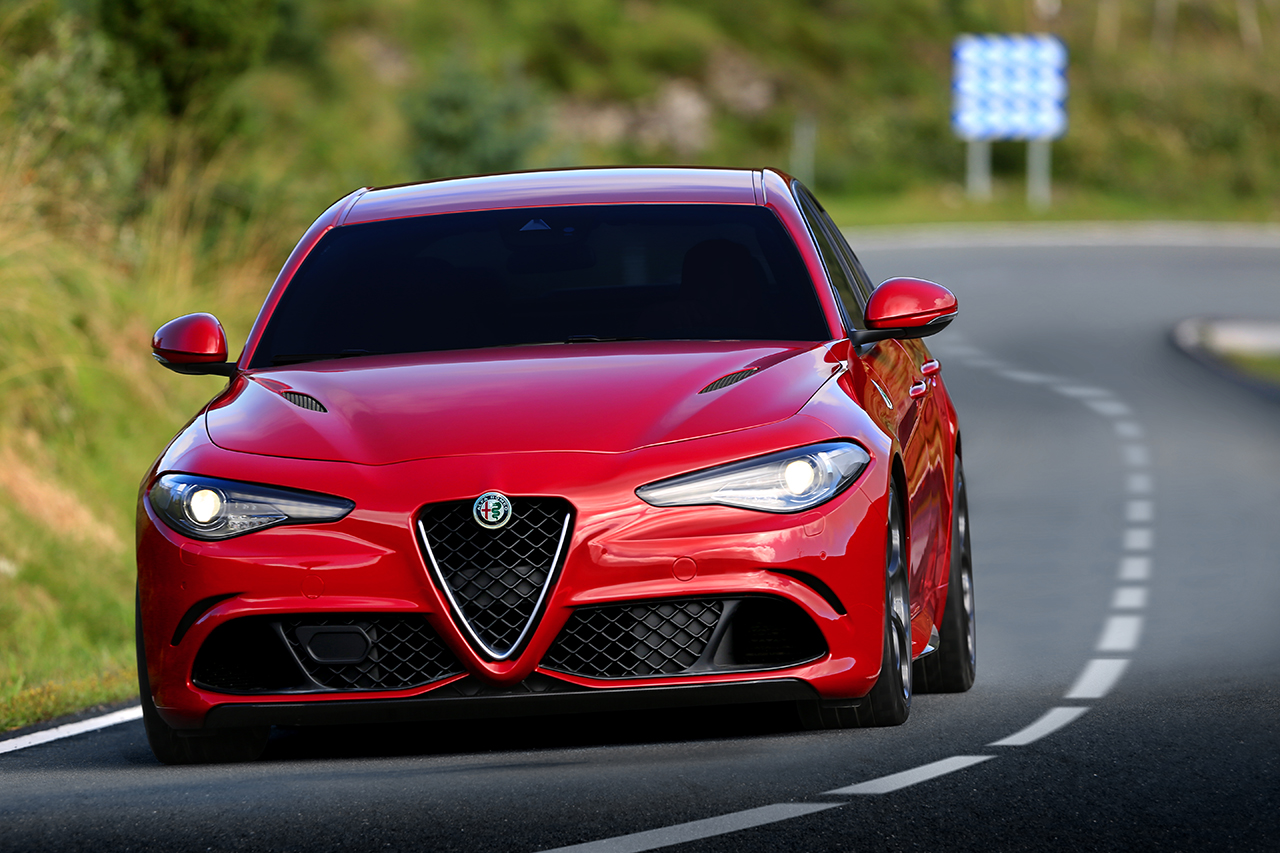 2016 alfa romeo giulia quadrifoglio egmcartech. Black Bedroom Furniture Sets. Home Design Ideas