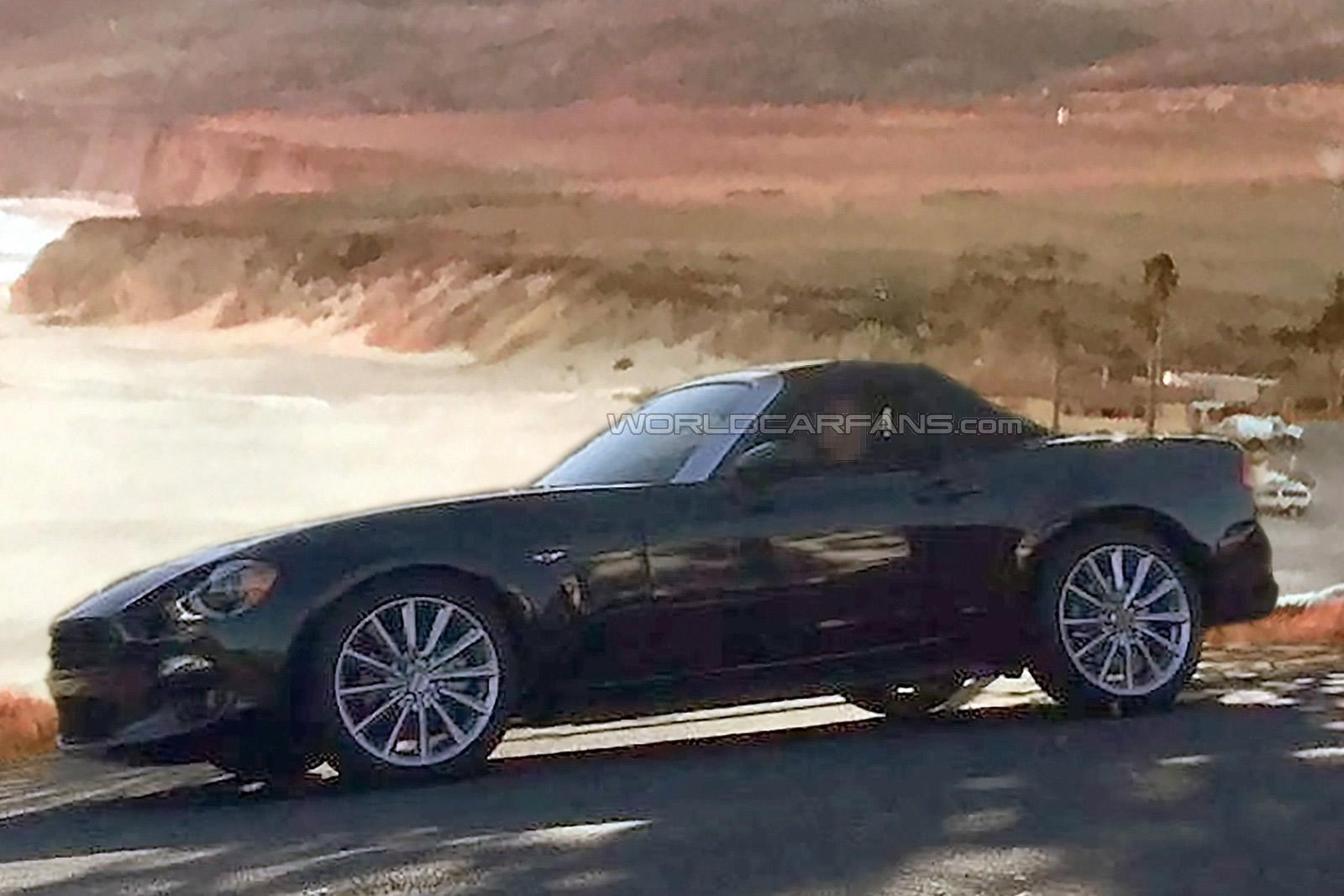 2016 Fiat 124 Spider Spy Shots