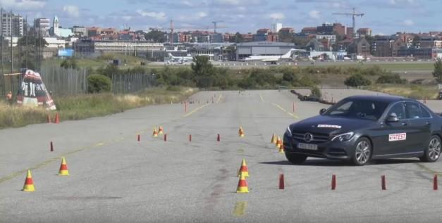 Video: The 2015 Mercedes-Benz C-Class Hybrid fails Sweden's moose test