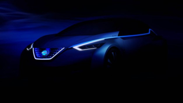 2015 Tokyo: Nissan's gearing up for the Tokyo Motor Show with a reveal at 8pm EST