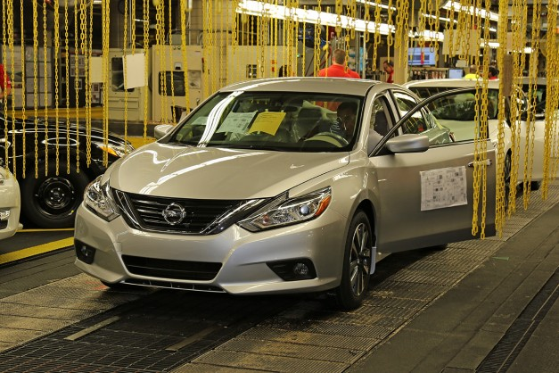 The 2016 Nissan Altima goes into production w/ video