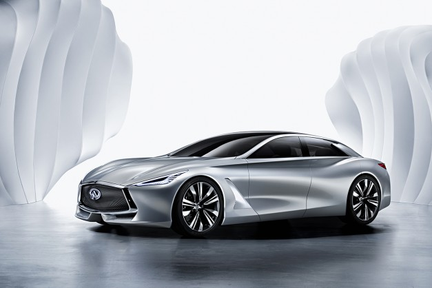 Report: Infiniti wants to make a Mercedes-Benz S-Class hybrid rival