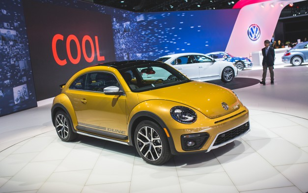 2015 Los Angeles: The 2016 Volkswagen Beetle Dune adds to the lineup