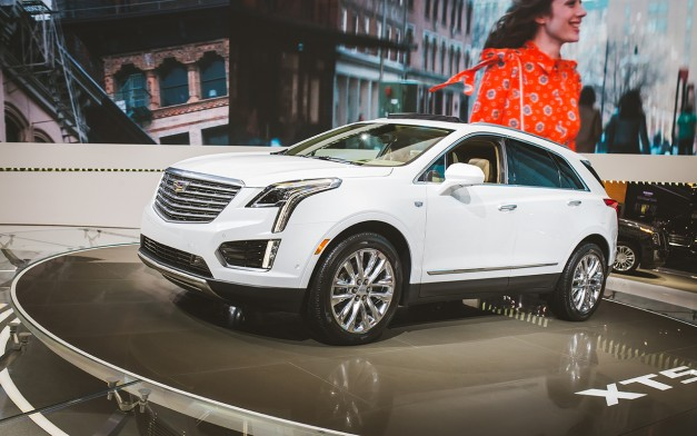 2015 Los Angeles: The 2017 Cadillac XT5 arrives in the City of Angels to replace the SRX