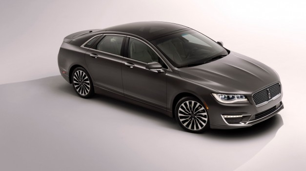 2015 LA Preview: The 2017 Lincoln MKZ goes insane, gets 400hp V6