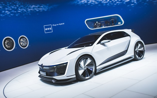 2015 Los Angeles: Volkswagen's Golf GTE Sport Concept from Worthersee makes its US debut