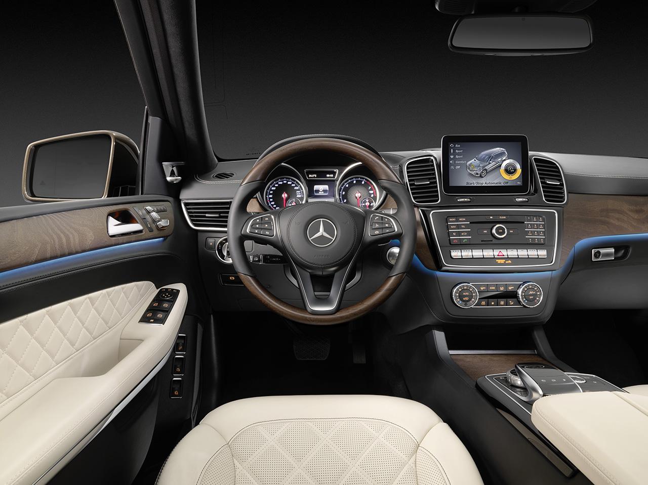 mercedes amg gt moreover bmw new car 2017 additionally new m gane gt