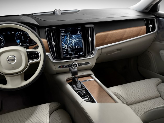 Video: The Volvo S90's interior gets showcased in some moving pictures
