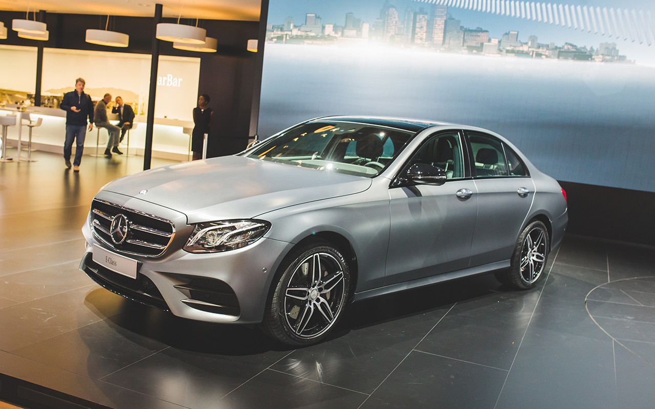 2016 naias 2017 mercedes benz e class egmcartech for Mercedes benz 2017