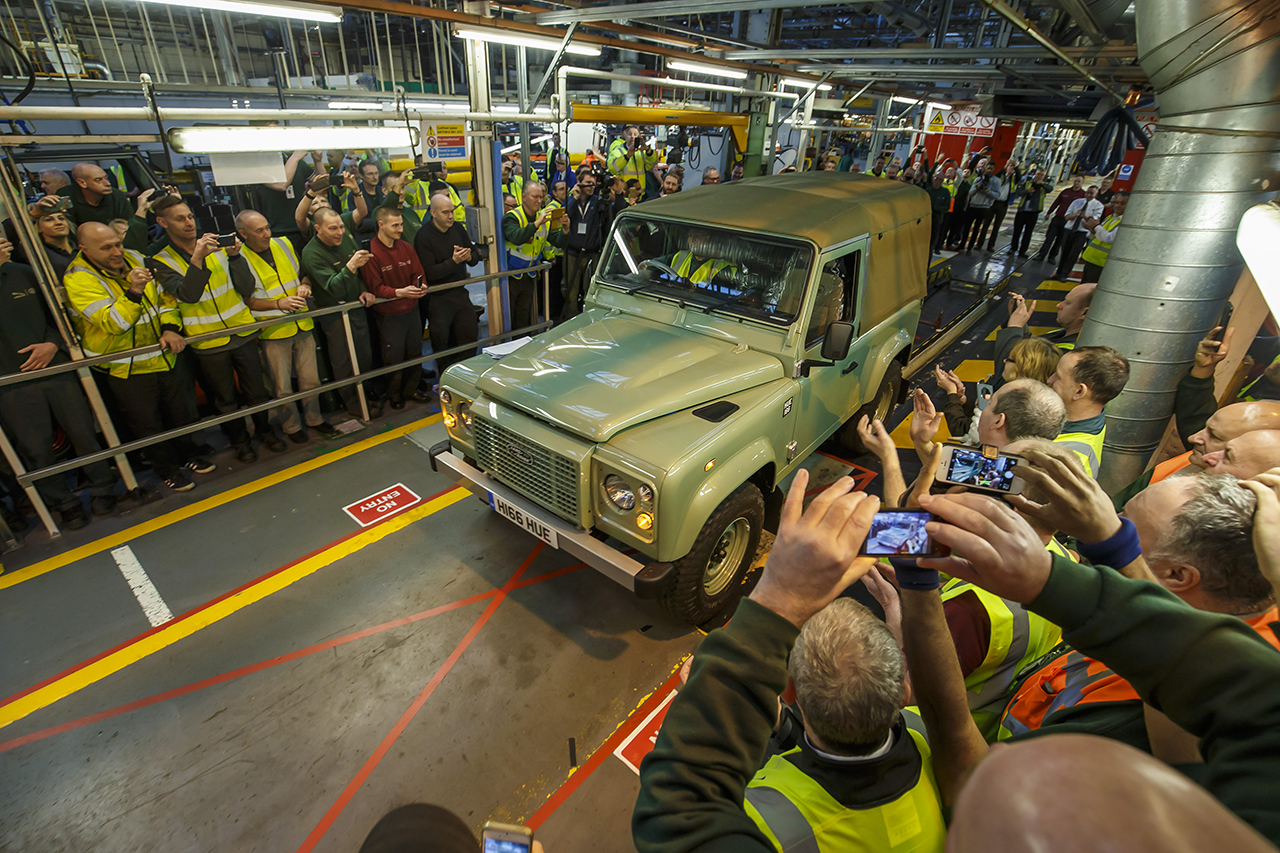2016 - The Last Classic Land Rover Defender