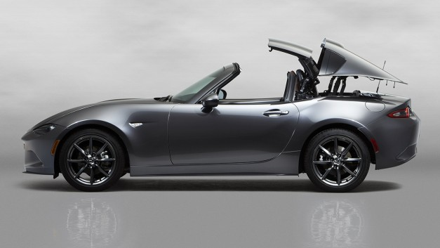 2016 New York Preview: Mazda surprises and reveals a Miata with a retractable hardtop
