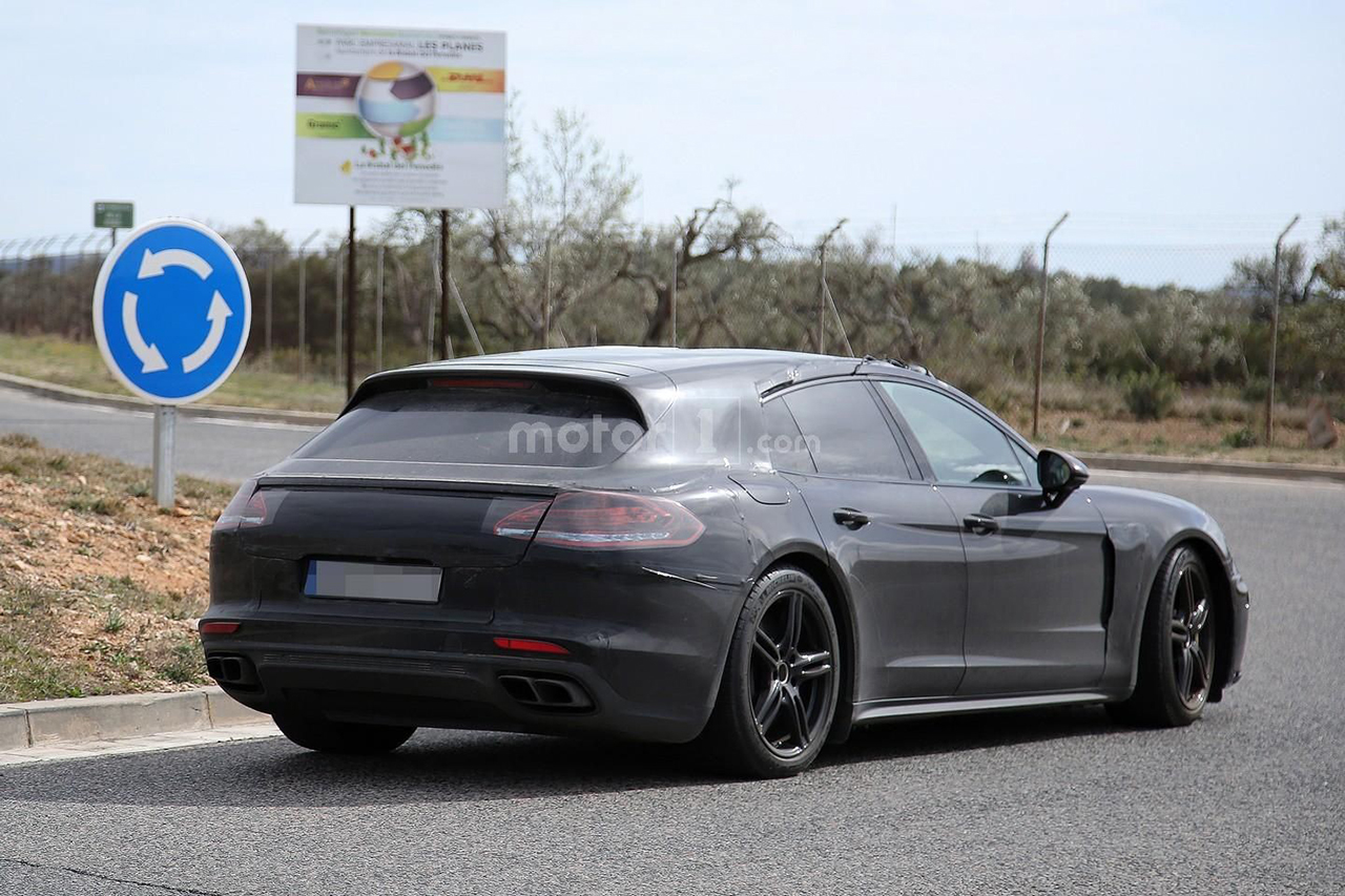 2016 - Porsche Panamera Shooting Brake Spy Shots - Photos by Motor1