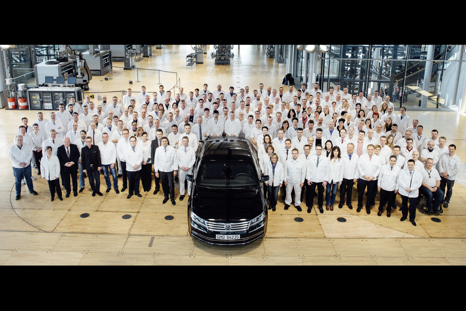 2016 - Volkswagen Transparent Factory Makeover