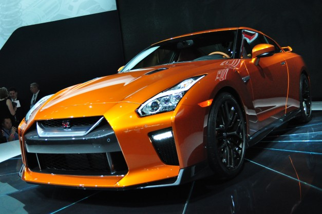 2016 New York: Nissan debuts new 565-hp GT-R to squeeze more life out of this generation