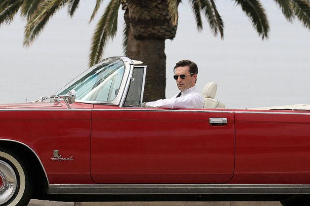 Auctions: If you're a Mad Men junkie, Don Draper's 1964 Chrysler Imperial Crown convertible could be yours