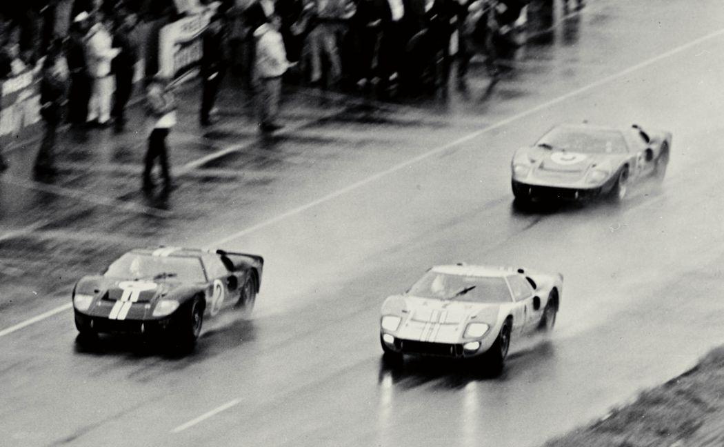 1966 GT40s Le Mans. (09/08/2011)