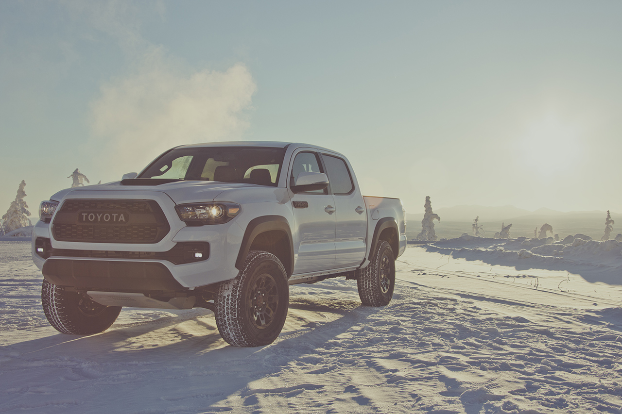 the 2017 toyota tacoma trd pro 39 s sports a pretty hefty 41 700 price tag egmcartech. Black Bedroom Furniture Sets. Home Design Ideas