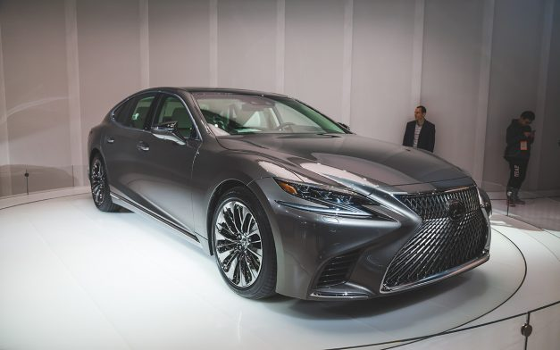 2017 NAIAS: The 2018 Lexus LS takes on a more dramatic design