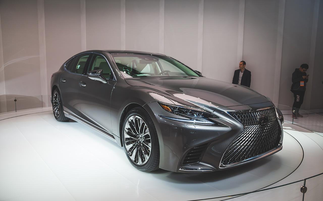 2017 NAIAS - 2018 Lexus LS