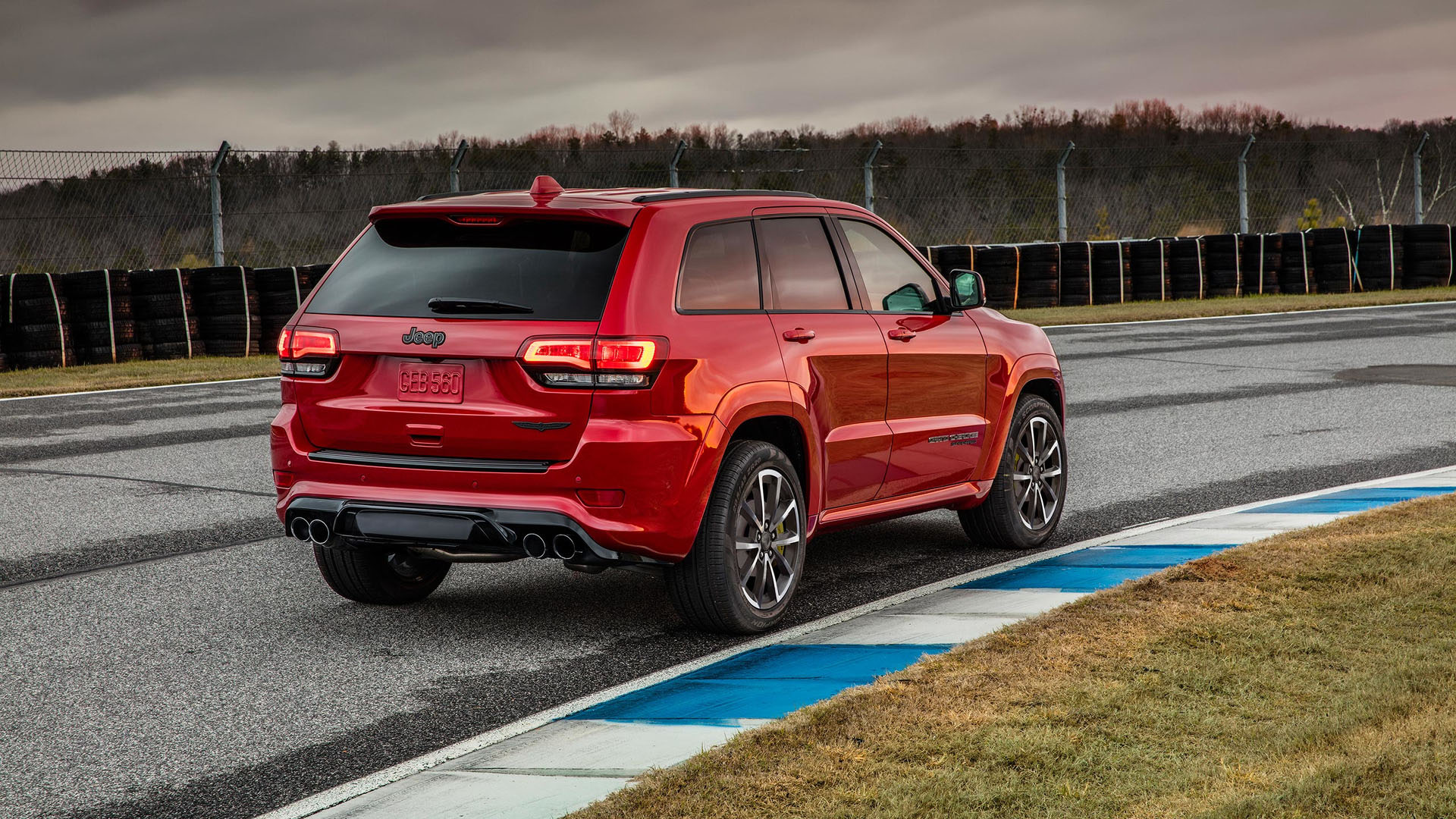2017 new york preview this is the new hellcat ified jeep grand cherokee trackhawk egmcartech. Black Bedroom Furniture Sets. Home Design Ideas