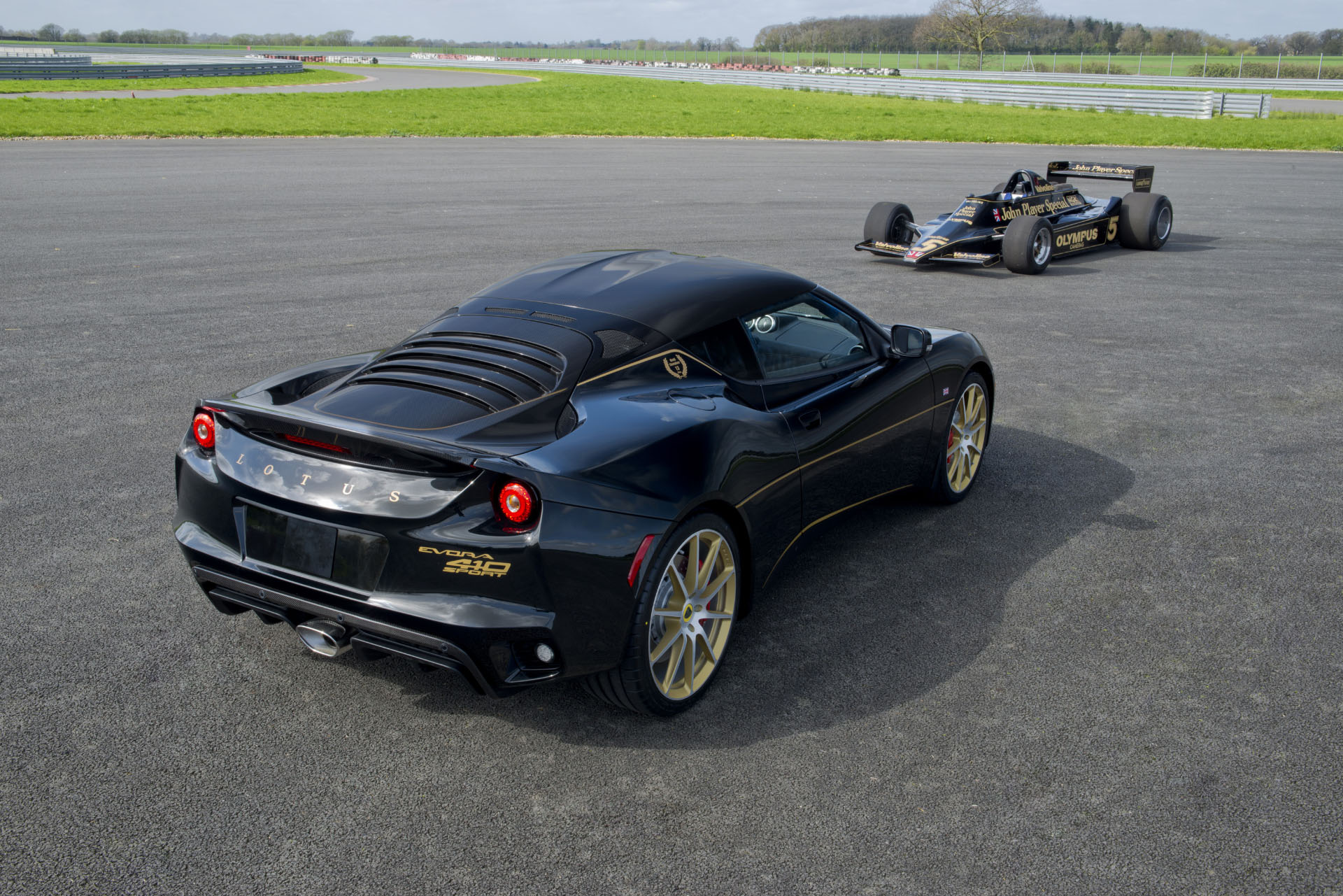 Lotus Evora Sport 410 GP Edition (2)