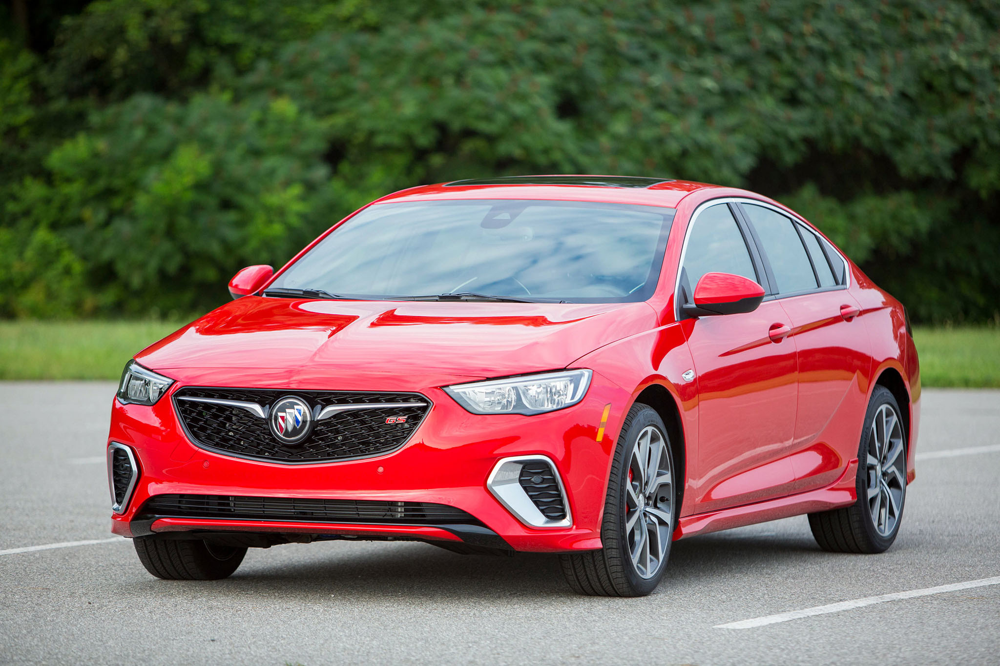2017 Buick Grand National >> This is the all-new 2018 Buick Regal GS, an enthusiasts' calling with a wagon on the way ...