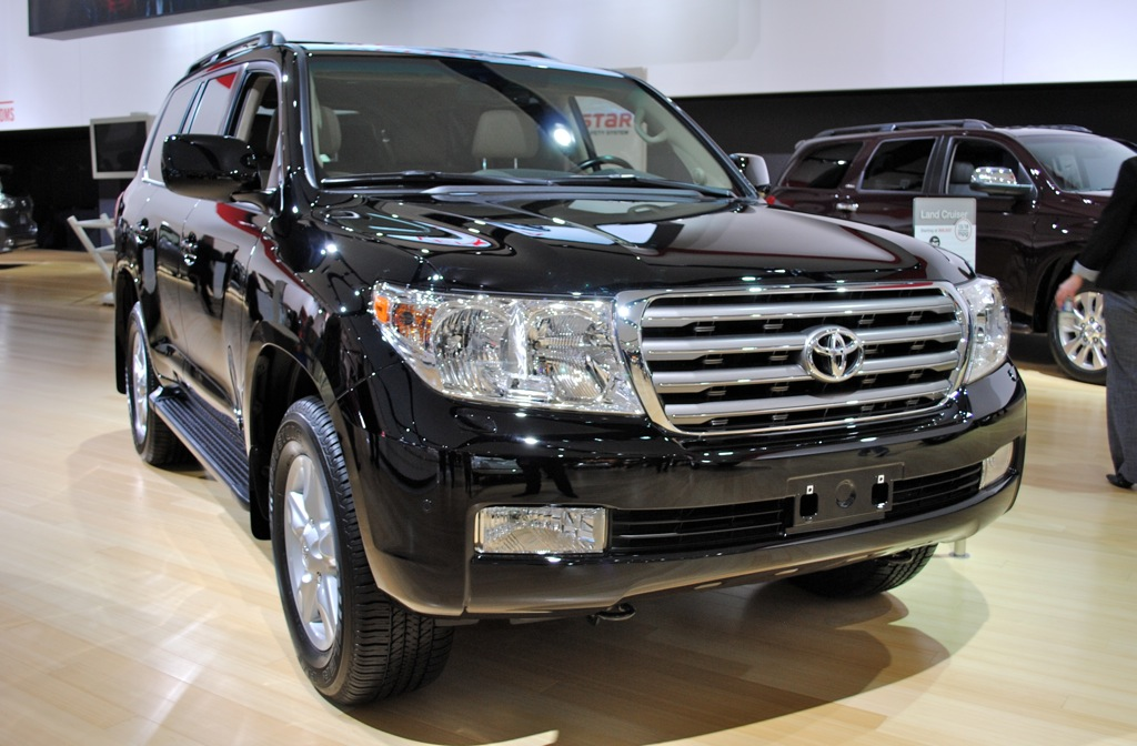 2012 Detroit: 2013 Toyota Land Cruiser