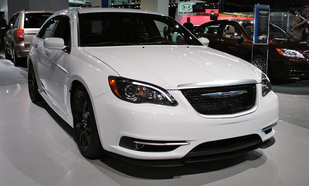 2012 Detroit: Chrysler 200 Super S