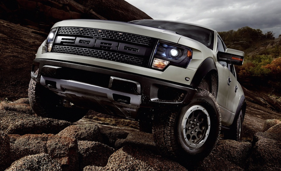 2013 Ford F-150 SVT Raptor Off-Roading