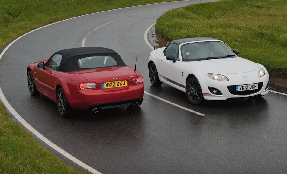 Mazda MX-5 Kuro Red/White