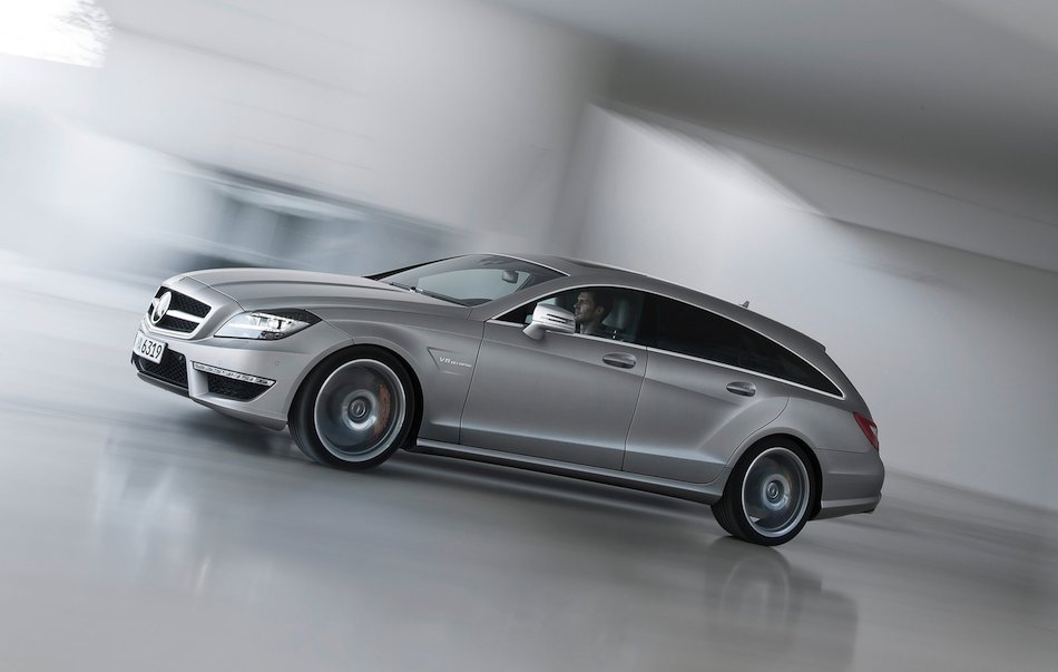 2013 Mercedes-Benz CLS63 AMG Shooting Brake Right Profile In Motion