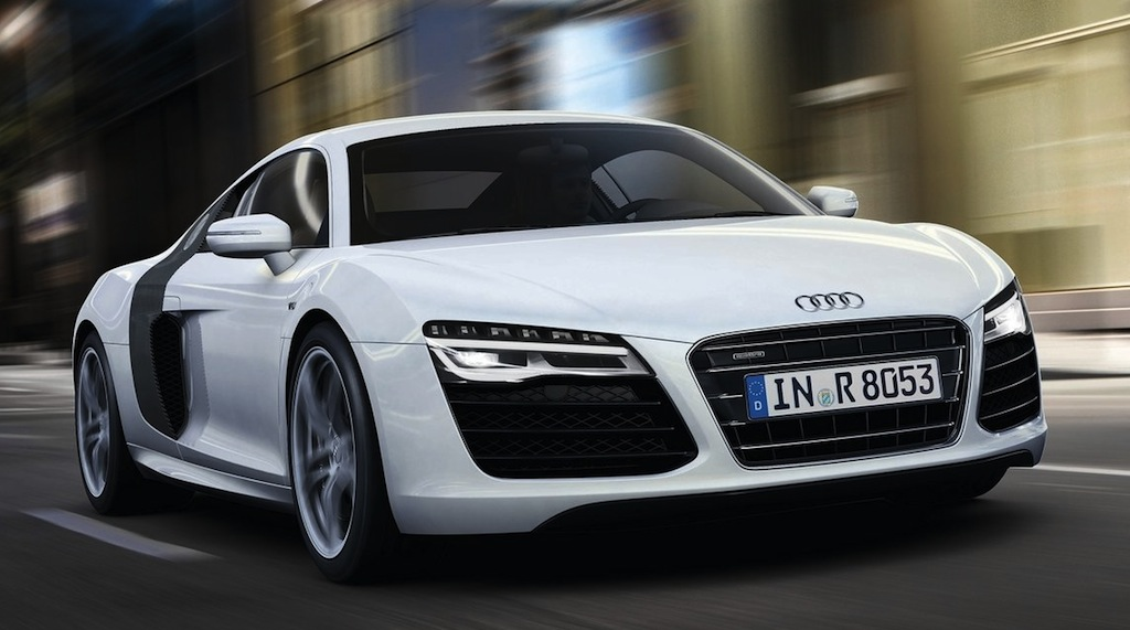 2013 Audi R8 V10 Front 3/4 Action Angle