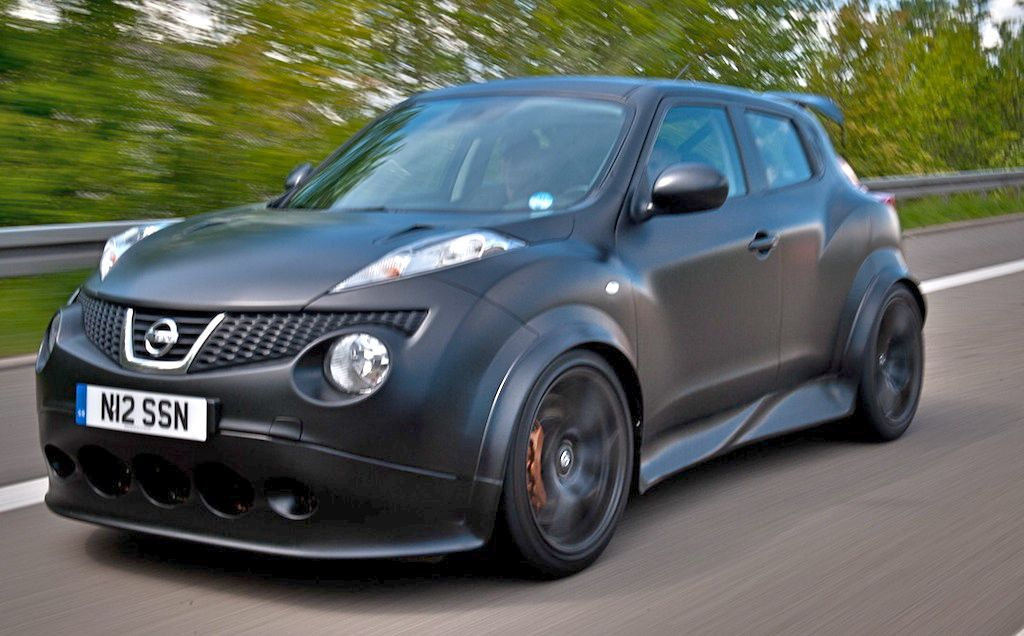 First Drive: Nissan Juke R Front 3/4 Action View
