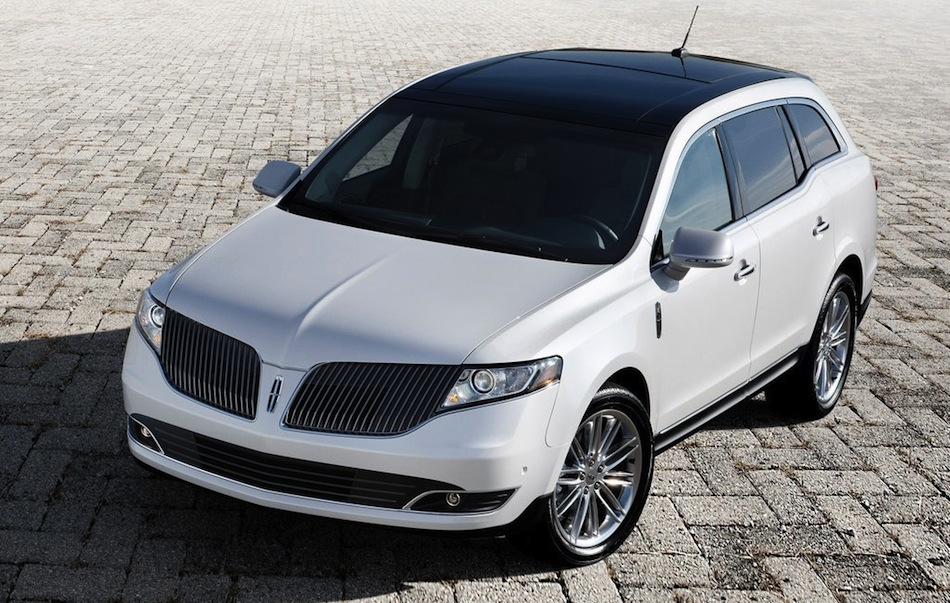 2012 Lincoln MKT Front Top View