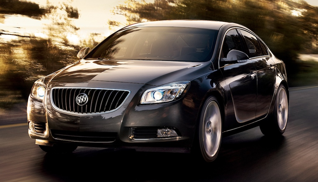 2013 Buick Regal Front 3/4 View
