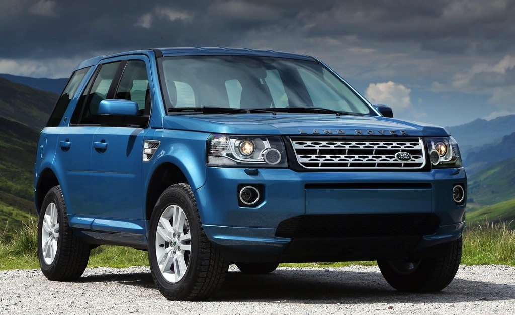 2013 Land Rover Freelander 2 Front 3/4 View